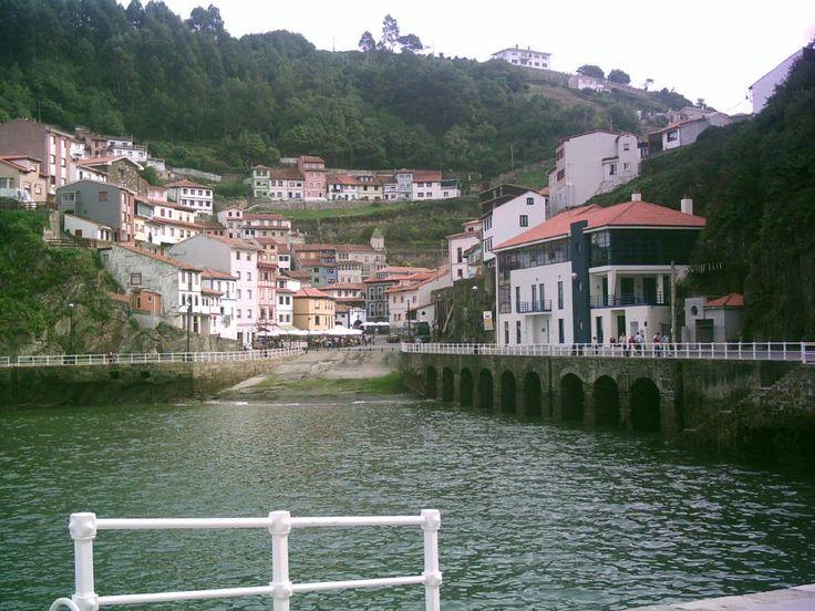 Puerto de Cudillero, Asturias