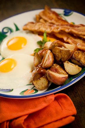 Eggs, Bacon, and Skillet Fried Potatoes Drizzled with Spicy Steak Sauce: Breakfast Eggs, Fries Potatoes, Potatoes Drizzle, Spicy Steaks, Skillets Fries, Soups Recipes, Sauces Recipes, Steaks Sauces, Breakfast Recipes