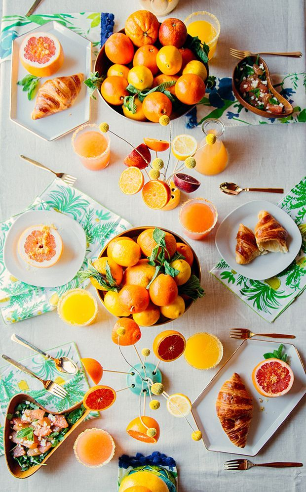 Citrus styling dinner tabletop.
