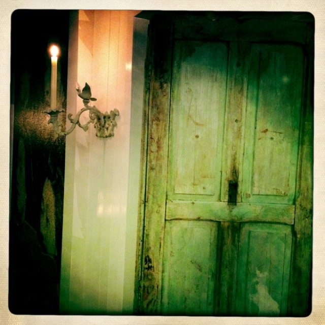 I love old doors.