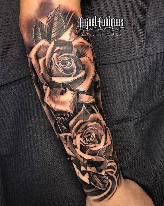 23 Hombre tatuajes en el antebrazo