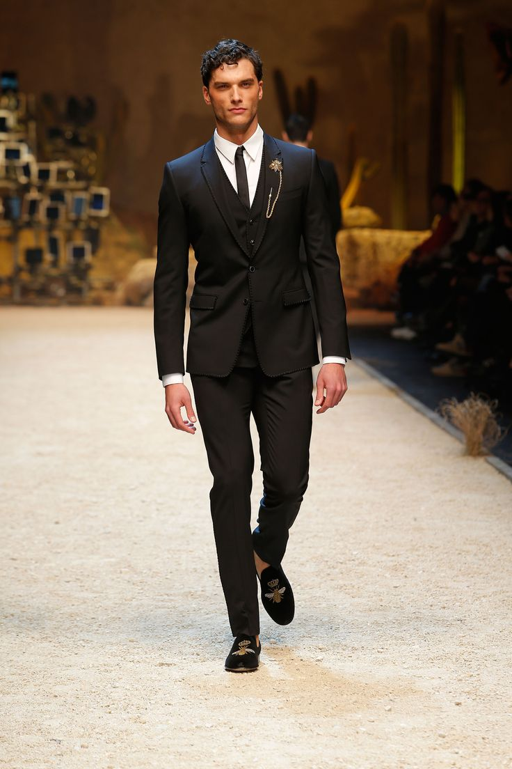 12 Best Images About Dolce Gabbana Fall Winter 2016 2017 Men 39 S Fashion Show On Pinterest