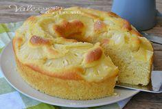 Ciambella soffice con ananas e yogurt senza burro e olio, buonissima soffice e leggera, dal gusto fresco ed esotico, una ricetta dolce leggera senza grassi