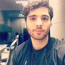 Sexo GAY universitario con Paco Del Mazo (Video) En este video uno de los youtubers gays más guapos, Paco Del Mazo, habla de su vida sexual durante mientras estaba en la universidad #euforiaonline