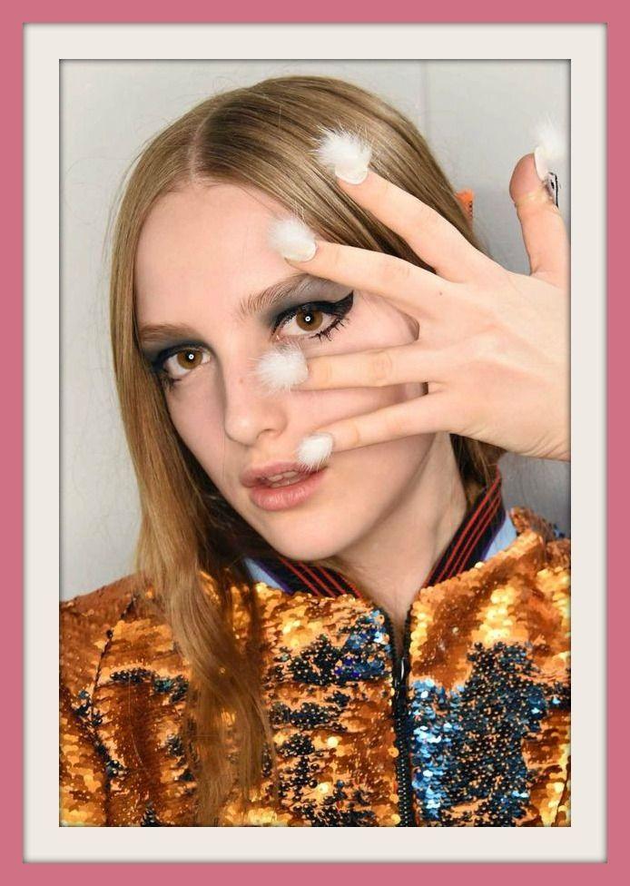 Furry Nails Tendenza decorazione unghie 2016