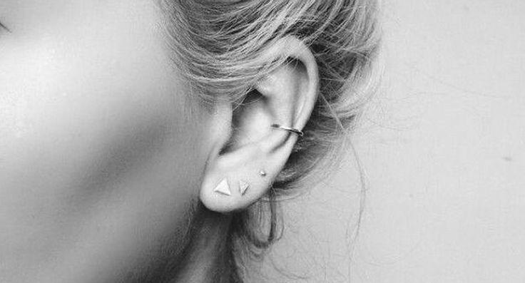We zien onze oren het liefst versierd met een hele rij kleine oorknopjes. Lees hier hoe je de perfecte earcandy samenstelt en shop direct de mooiste knopjes