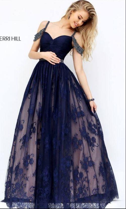 367 besten >>> Dresses <<< Bilder auf Pinterest | Ballkleider, Große ...