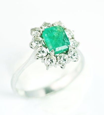 Emerald Diamond Engagement Rings | Diamond and emerald engagement rings are associated