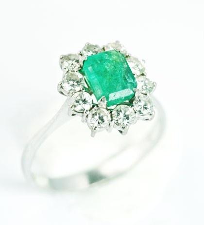 Emerald Diamond Engagement Rings | Diamond and emerald engagement rings are associated