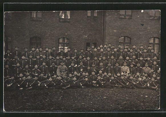 Insterburg, Gruppenfoto von Soldaten in Uniform 1915