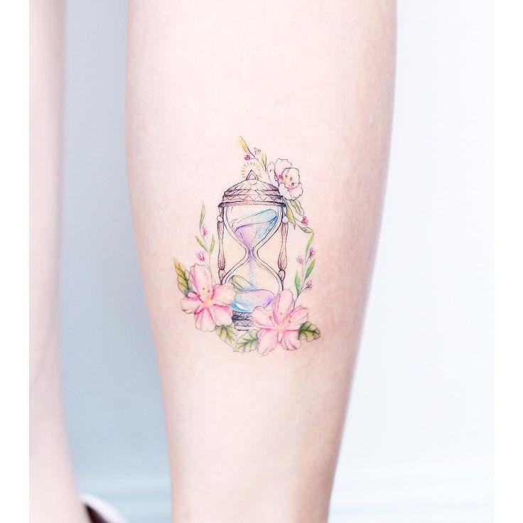"""4,777 Likes, 34 Comments - Mini Lau Hello Tattoo (@hktattoo_mini) on Instagram: """"⌛️"""""""