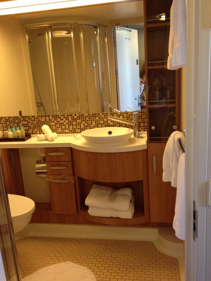 Aquaclass Bathroom - Celebrity Eclipse