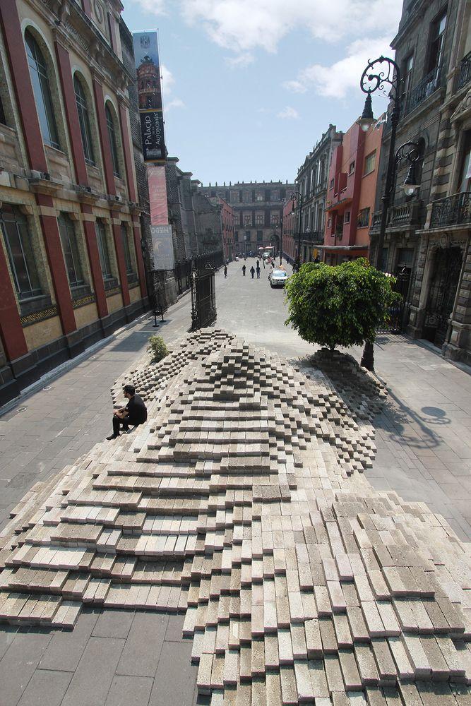 Galería de 24 mil blocks de cemento forman 'La Mancha' en Ciudad de México - 5