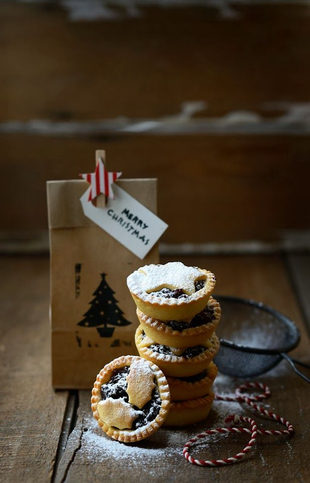 Christmas Mince Pies with Dark Chocolate & Figs or White Chocolate & Cranberries | From The Kitchen