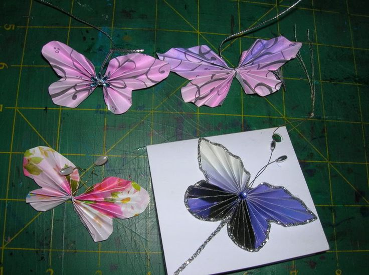 EASTER SUNDAY butterflies - beautiful! Accordion fold butterflies with tutorial