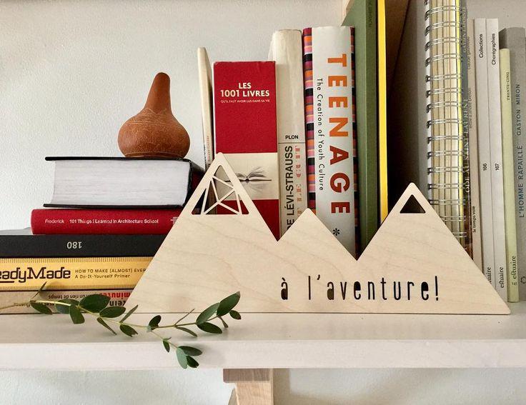 Planchette Montagne en bois - style scandinave - accent déco tablette | Wood Mountain Plaque - scandinavian style - bookshelf décoration accent