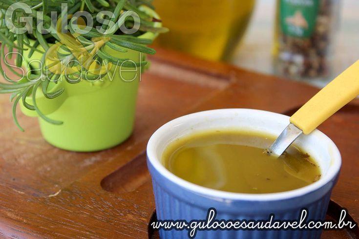 Compartilho uma receita fácil e saudável para incrementar suas receitas com aromas, sabores e benefícios para a saúde é o Molho de Alecrim. Na preparação...
