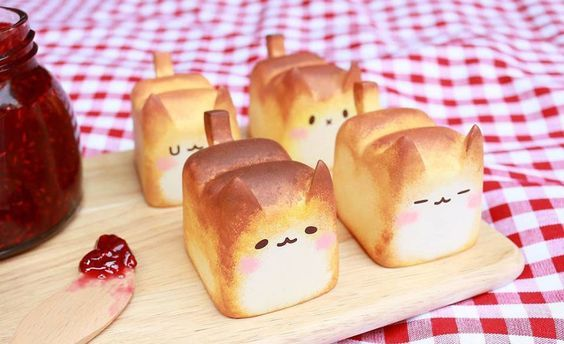 Warmly 'Baked' Breadcat | Bored Panda | kawai | Pinterest