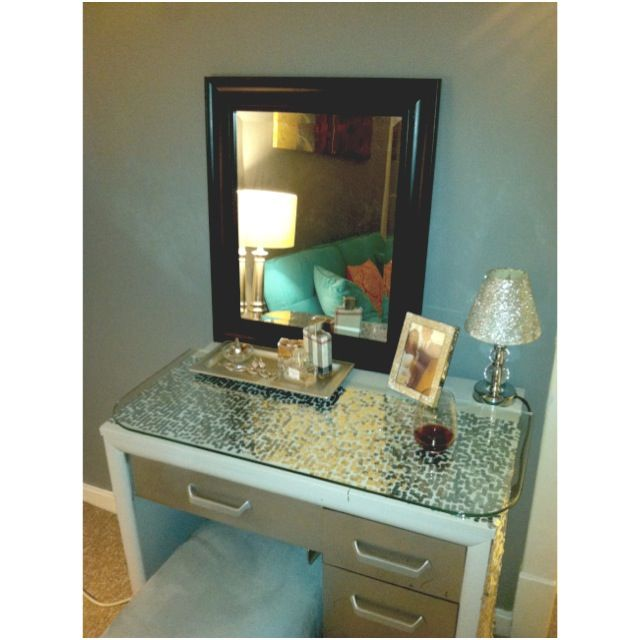 Painted sewing table diy vanity goodwill glass top for Glass makeup table