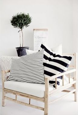 Love the pattern mix of small and big stripes.