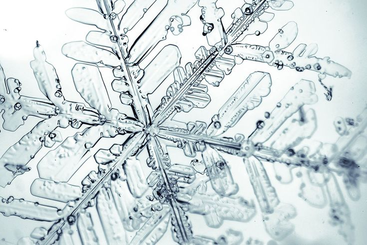 How ice forms on the surfaces of mineral dust particles in the atmosphere has been revealed by a team from UCL and the Karlsruhe Institute of Technology (KIT) in Germany. - See more at: http://www.ucl.ac.uk/news/news-articles/1216/091216-Understanding-how-ice-crystals-form-in-clouds#sthash.Czx0RbXz.dpuf