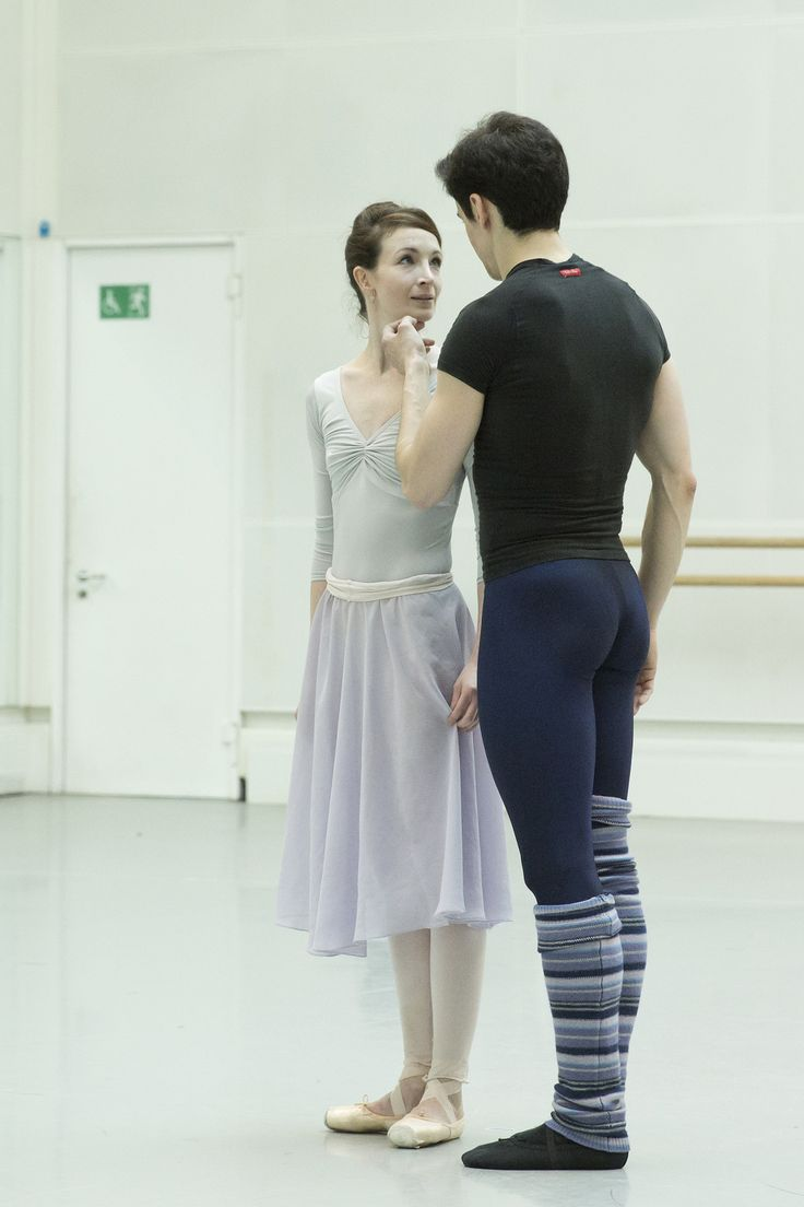 Lauren Cuthbertson as Giselle and Federico Bonelli as Albrecht in rehearsal for Giselle, The Royal Ballet © 2016 ROH. Photo by Andrej Uspenski