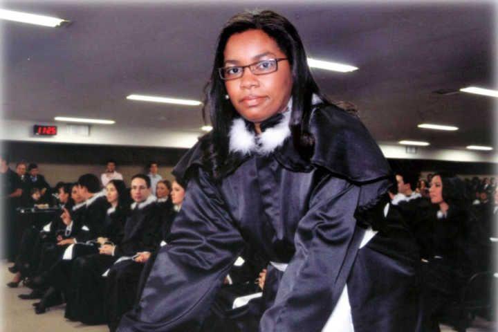 Uma jovem pobre, do sertão da Bahia, hoje tem 5 pós-graduações e é juíza titular da 1ª Vara Cível e da Vara de Infância e da Juventude de Quirinópolis, em Goiás