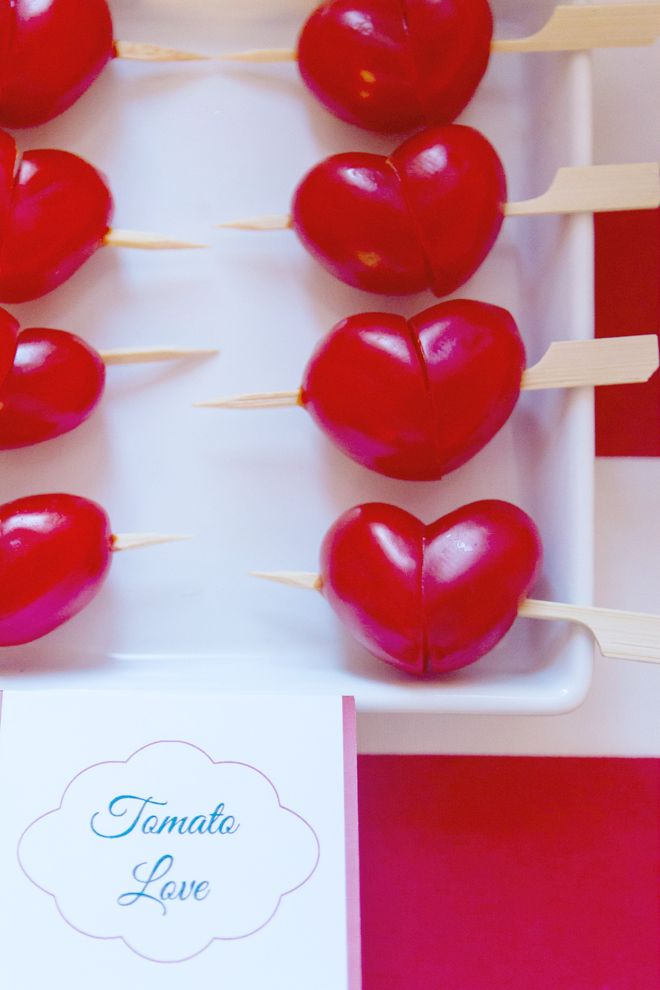 2 tomato halves make a heart!  via Pizzazzerie