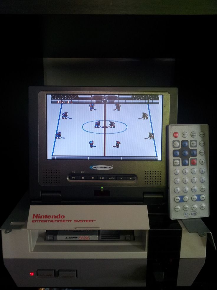Portable NES System Made by Retro Refabricators http://retrorefabricators.weebly.com/