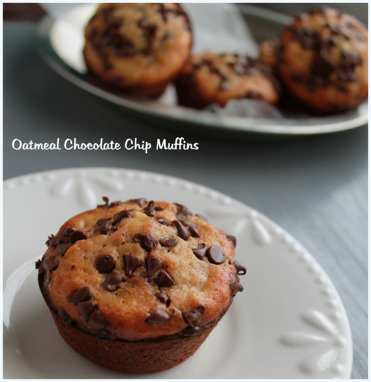 Sweet & Moist Muffins | Oatmeal Chocolate Chip Muffins | Pinterest
