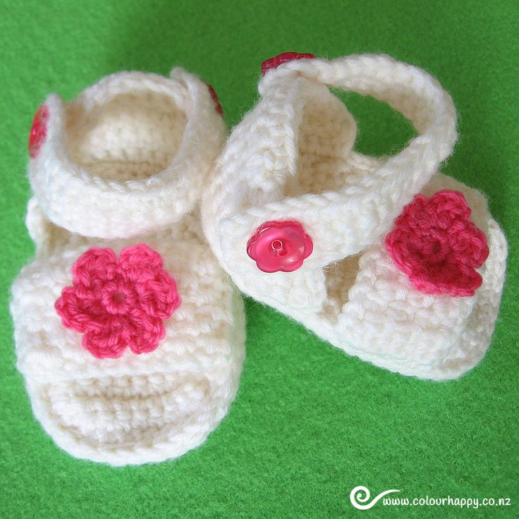 Pink & White Crochet Baby Sandals with Flowers ♥Made by Colour Happy / Adele, based on a pattern by Vita Apala