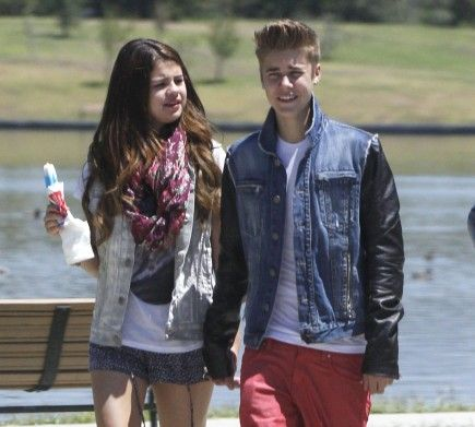 justin bieber and selena gomez dating how long