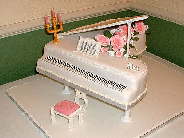 1000+ ideas about Piano Cakes on Pinterest Music cakes ...