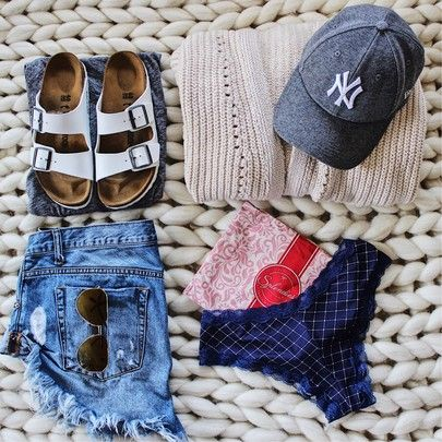 baseball game outfit, denim shorts outfit, baseball hat outfit, cardigan outfit