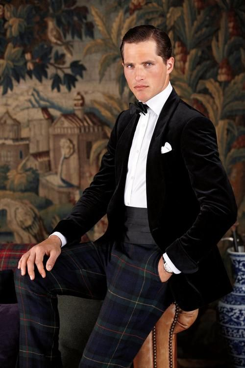 Tartan is perfect for those Christmas parties | PinstripesandTweed.com