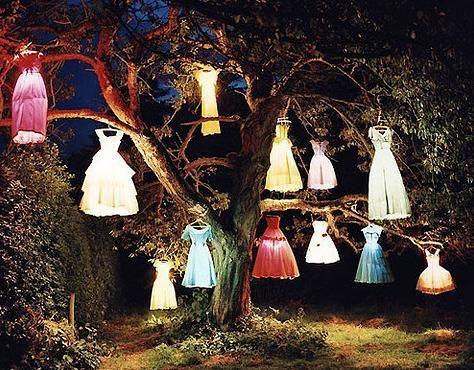 wauw. Gewoon wauw. Ideetje voor een t-jurk tuinfeest? :)