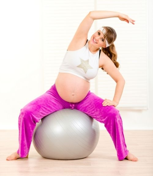 PARTO - 5 exercícios para ter um parto normal mais tranquilo - Você sabia que alguns exercícios ajudam a ter um parto normal mais tranquilo? Vem conhecer cinco deles : http://goo.gl/ipAcqM #bebê123 #parto #partonormal #gravidez #bebe