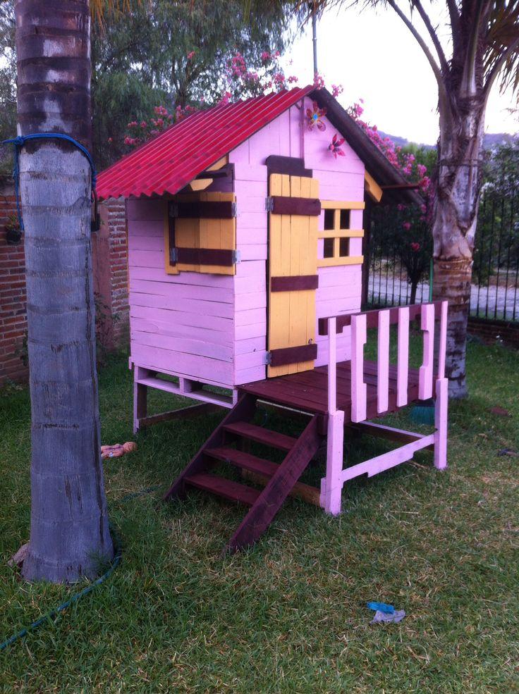 Casita de madera casas de madera pinterest casa - Casa de palets para ninos ...