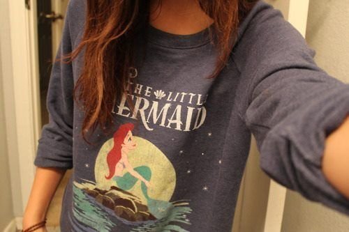 I want this sweatshirt