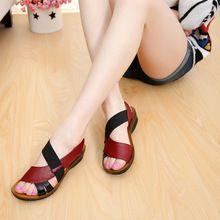 2016 verano nuevas sandalias planas de gran tamaño zapatos de la madre de mediana edad mayores planos inferiores suaves sandalias con sandalias El Envío Libre(China (Mainland))