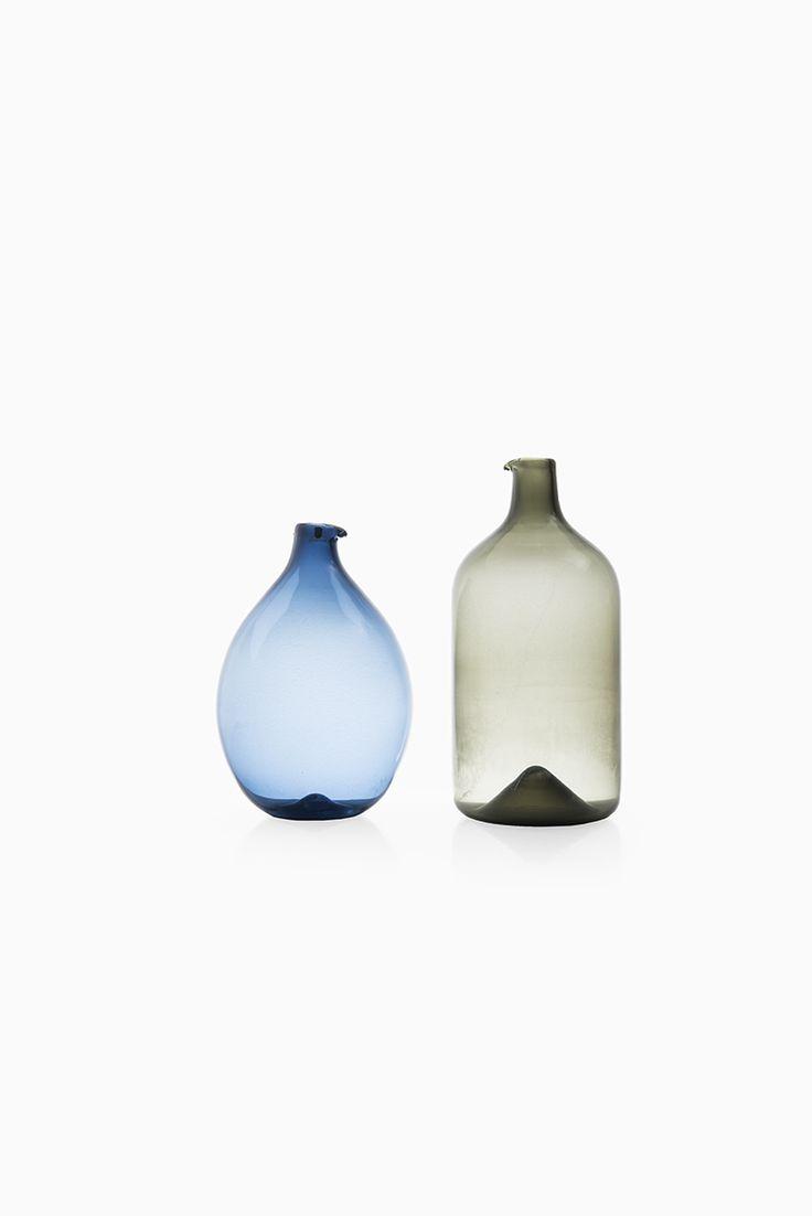 Timo Sarpaneva Pullo glass bottle by Iittala, more Timo Sarpaneva and Iittala glass at Studio Schalling #midcenturymodern #sarpaneva