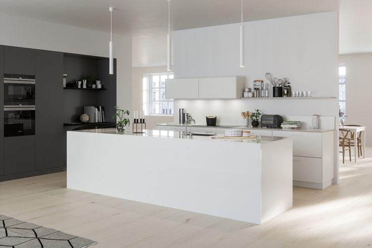 En kjøkkenøy som et midtpunkt i rommet skaper en pol å bevege seg rundt. Sysler, selskap og småprat kommer i sentrum på en selvfølgelig måte. Til System 10 finnes det tynne snekkervarer som kan brukes for å forlenge, kontrastere eller matche innredningen.   Hvitt kjøkken - System 10 Bistro | Drømmekjøkkenet