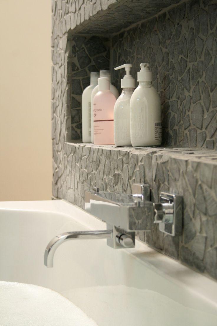 41 best images about casa die badkamer on pinterest toilets shower drain and tes - Muur niche ...