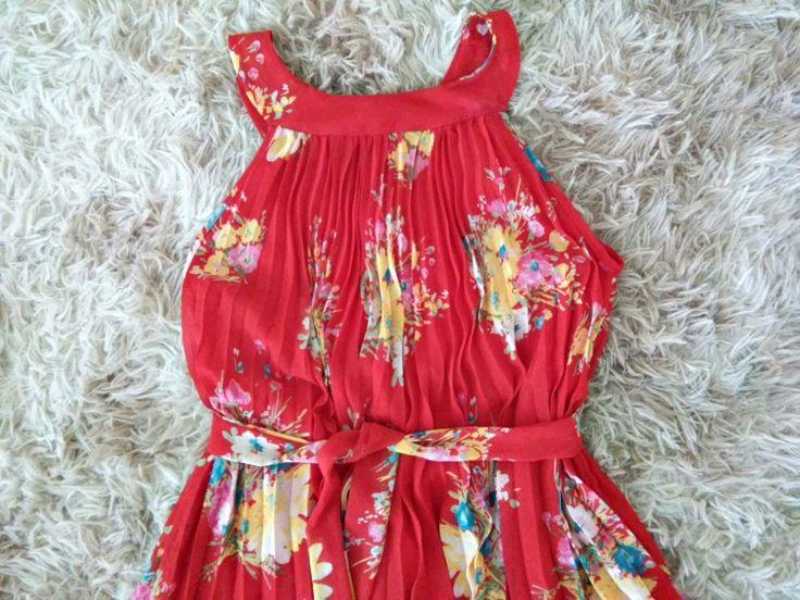 Vestido Vermelho Flores Tam. M Site: https://brechopuroluxo.wixsite.com/loja Retirada: Campinas-SP (Jardim Myriam, Alphaville/Jardim Santana/São Quirino/Primavera/Taquaral) Demais localidades: via correio, pagamento Depósito/Pagseguro #brecho #brechocampinas #brecholuxo #desapego #desapega #enjoei #roupas #vestidos #sapatos #bazar #loja
