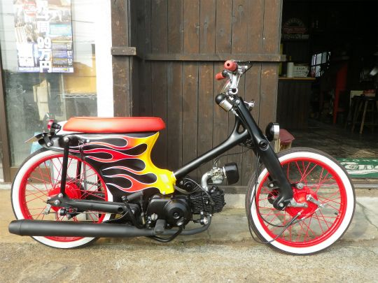 """CONEROD DEUCE#5"" Super Cub custom by Cone Custom Bike, Japan"