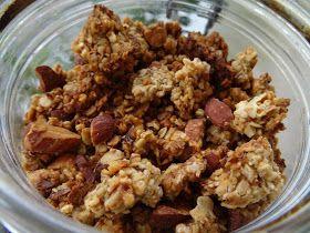 Sa'ravissante Beauté: Petit déjeuner sain # 3 : Granola croustillant aux amandes & noisettes { Vegan, sans gluten, sans sucre raffiné }