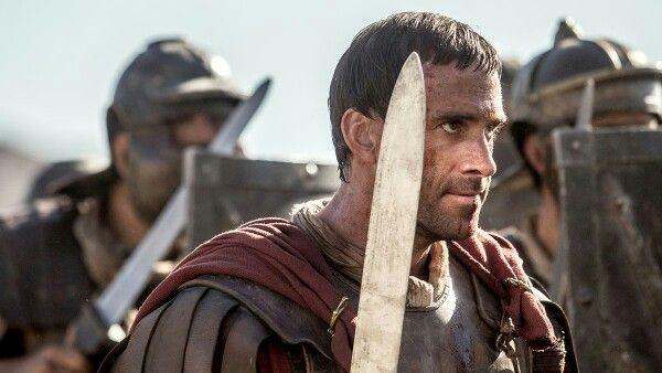 Clavius Aquilla Valerius Niger leading his men into battle