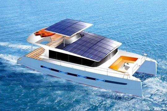 Le E-power 40, le catamaran à moteur hybride de Swiss Catamaran