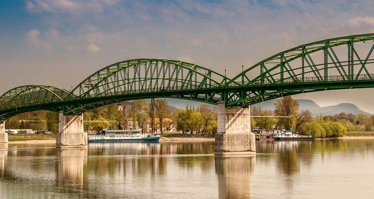 Most Sturovo