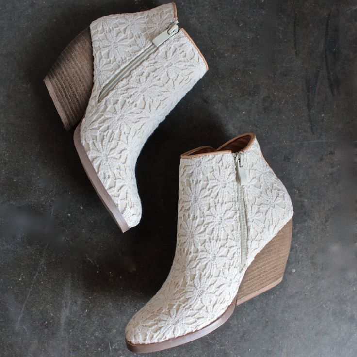 Very volatile - summery womens lace ankle boots in ivory